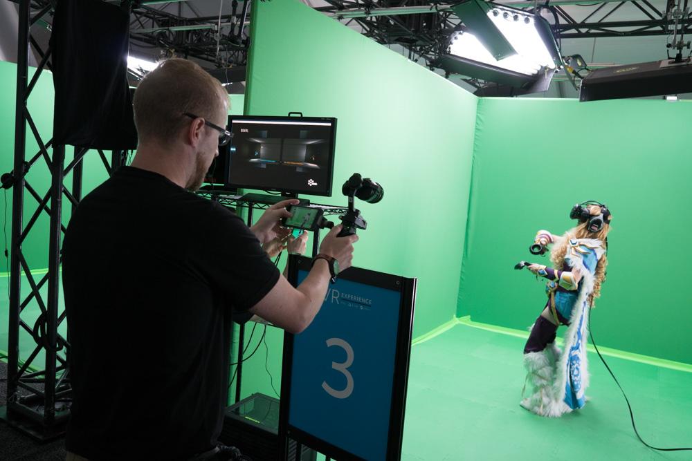 Filming Virtual Reality